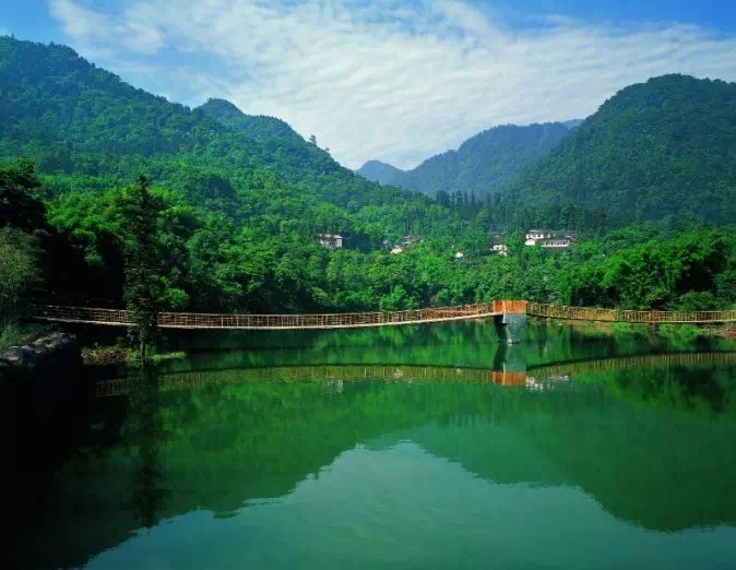A Lake in Emei mountain