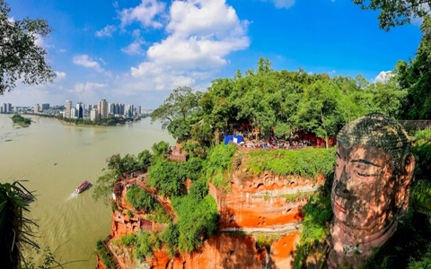 Leshan Giant Buddha and  Emei Mountain Full View 2 days tour